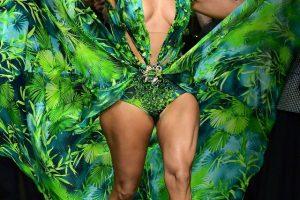 Новые подробности: что известно о суде между Versace и Fashion Nova