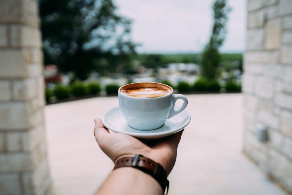Эксперт рассказал, в какое время утром пить кофе, чтобы ускорить метаболизм