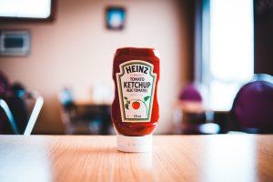 Вы всю жизнь неправильно хранили вкусовые добавки, включая соусы