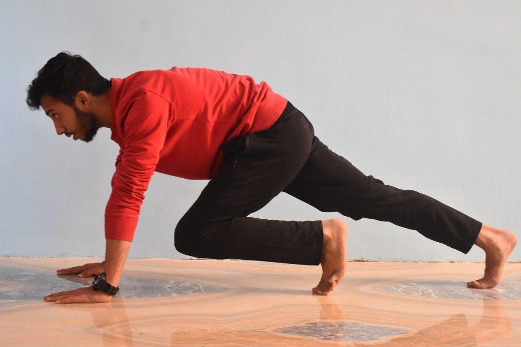 60-секундное упражнение на всё тело, которое нужно включать в каждую тренировку