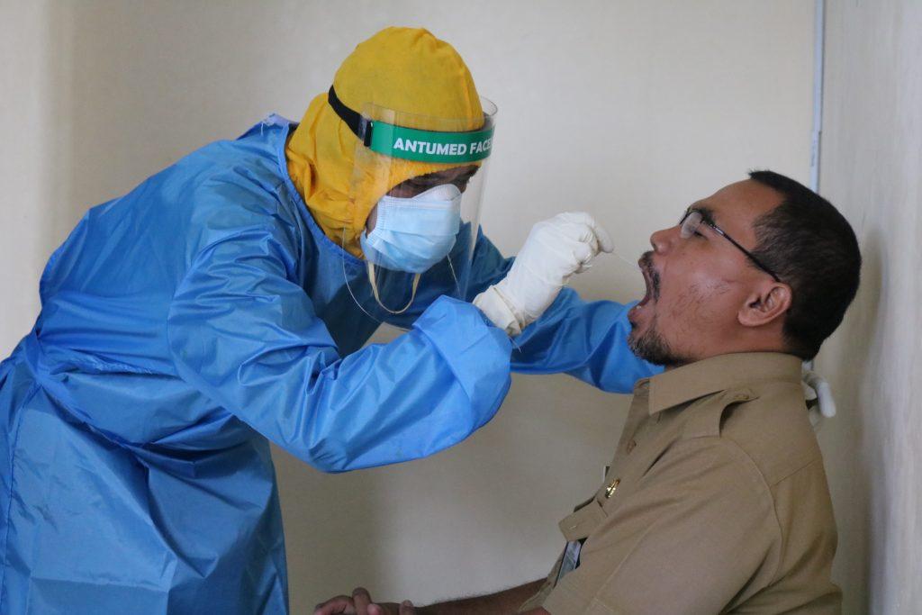 Одна вещь, которая означает, что вам нужен тест COVID, даже если вы вакцинировались