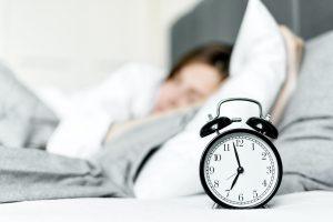Нейробиолог объяснил, почему вы должны навсегда отказаться от будильника
