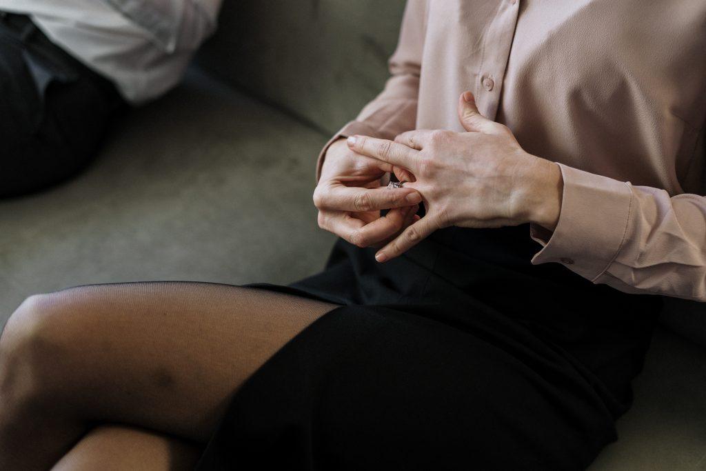 Один конфликт у супругов, который увеличивает вероятность развода в 2 раза