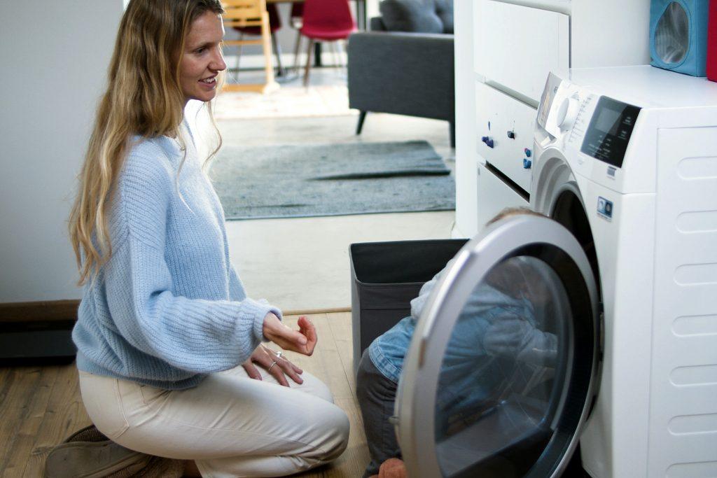 Глупая ошибка перед стиркой, которая может привести к поломке стиральной машины