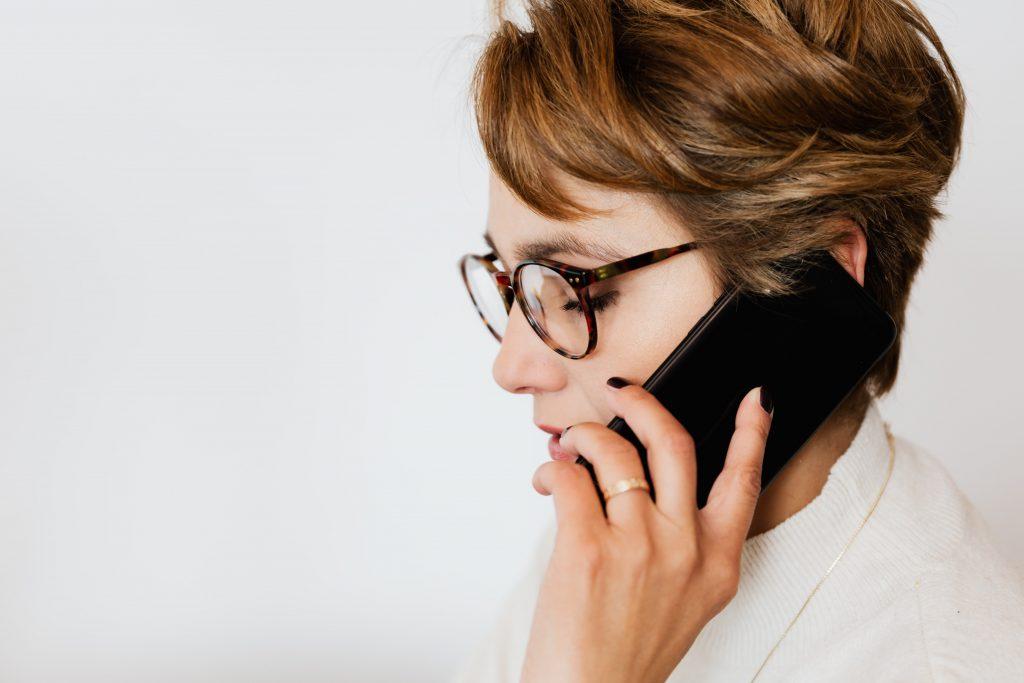 Использование телефона в течение стольких минут увеличивает риск рака