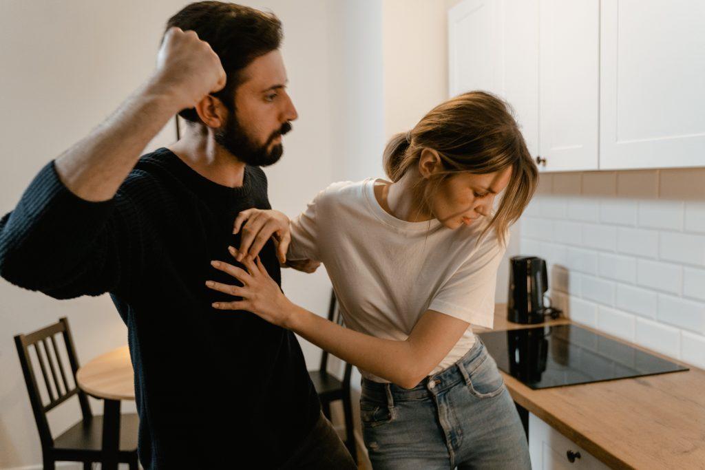 Как распознать токсичные отношения в паре и как с ними бороться