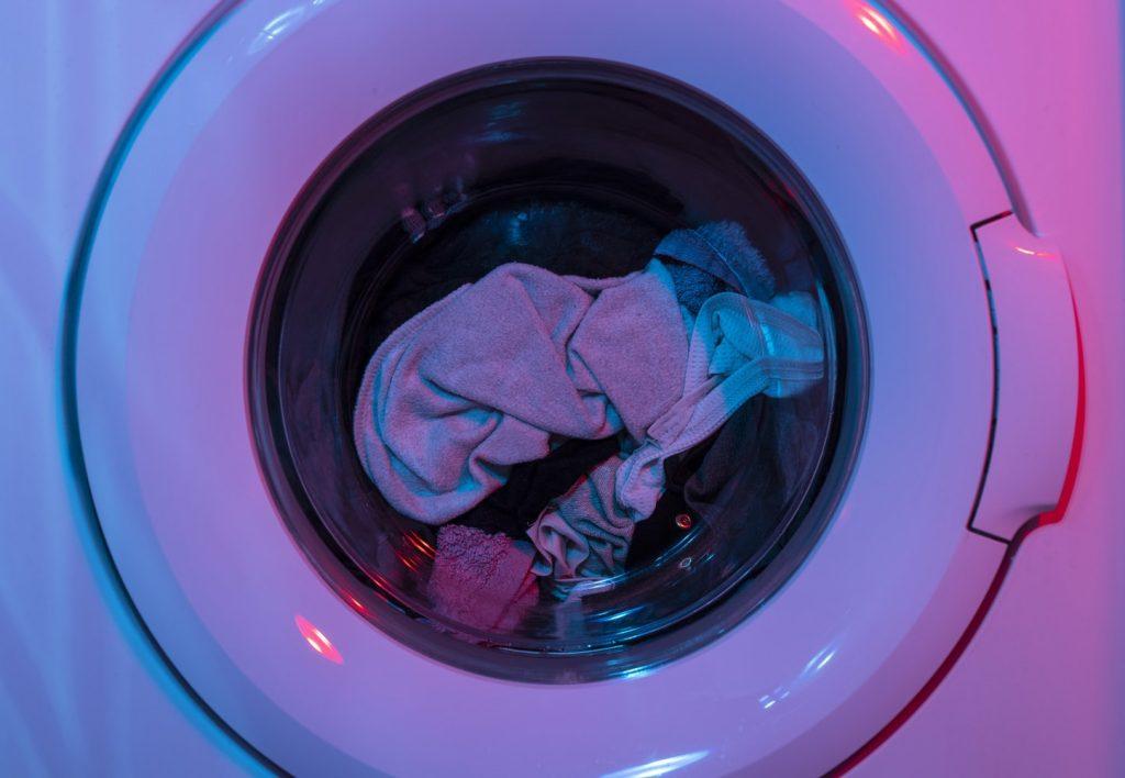Элементарная вещь, о которой вы забываете во время стирки деликатной одежды