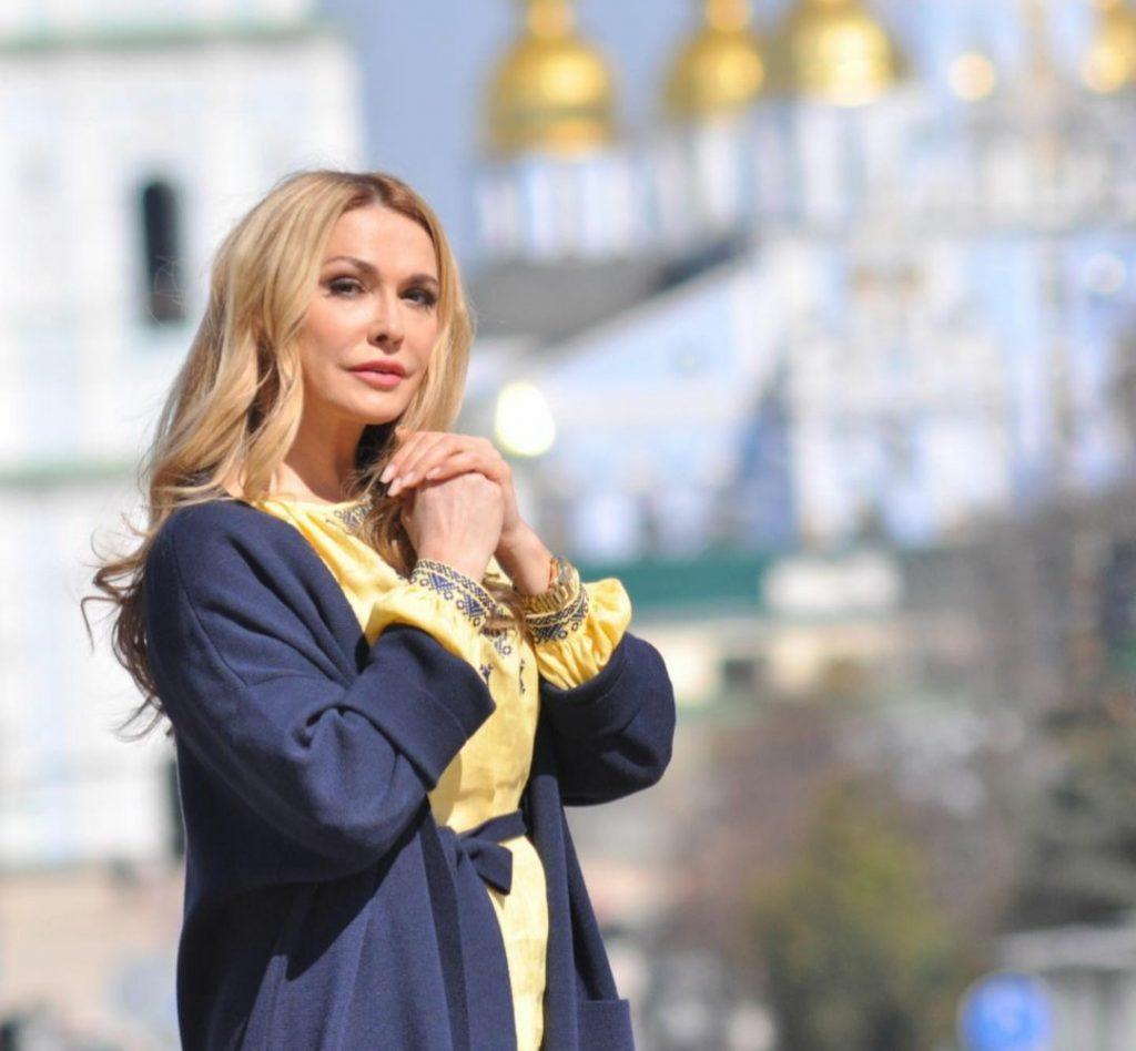 В честь своего 55-летия Ольга Сумская поделилась новыми фото