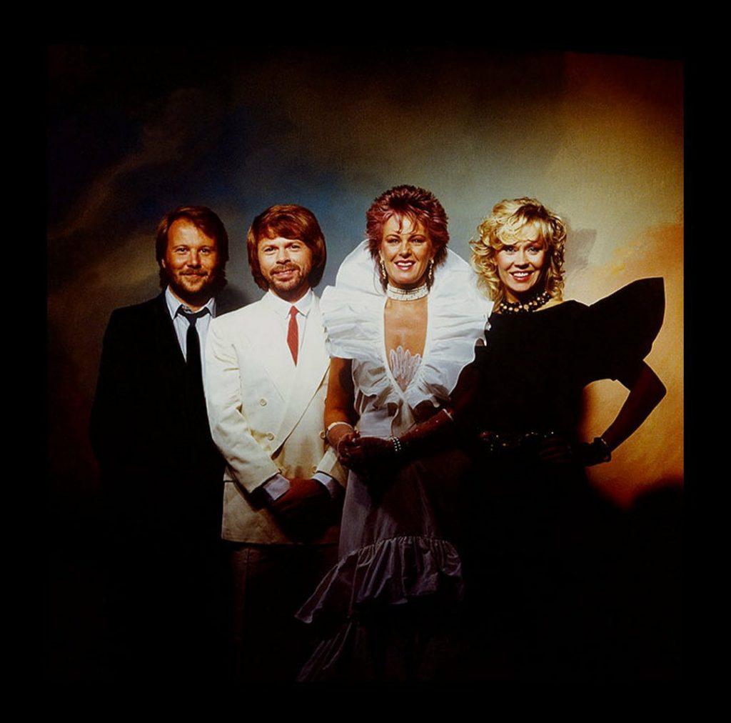Группа ABBA выпустит пять новых песен