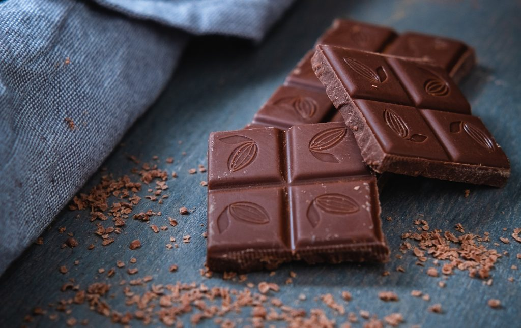 Так ли полезен тёмный шоколад перед сном: мнение эксперта по питанию