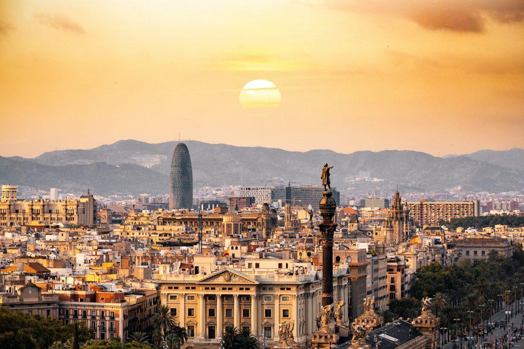 Не только Мадрид и Барселона: какие города в Испании стоит посетить в 2021 году?