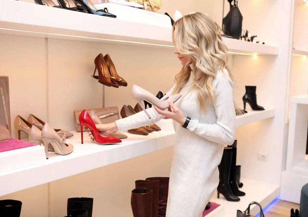 Точное время суток, когда нужно покупать обувь: секрет ортопеда