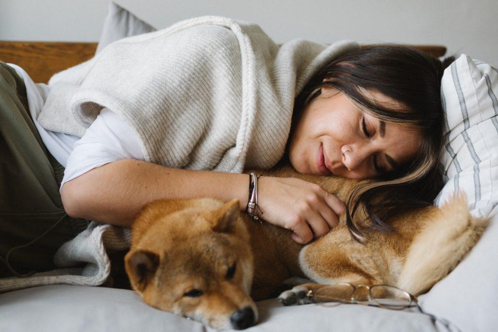 Риск инсульта на 85% выше, если вы спите следующим образом