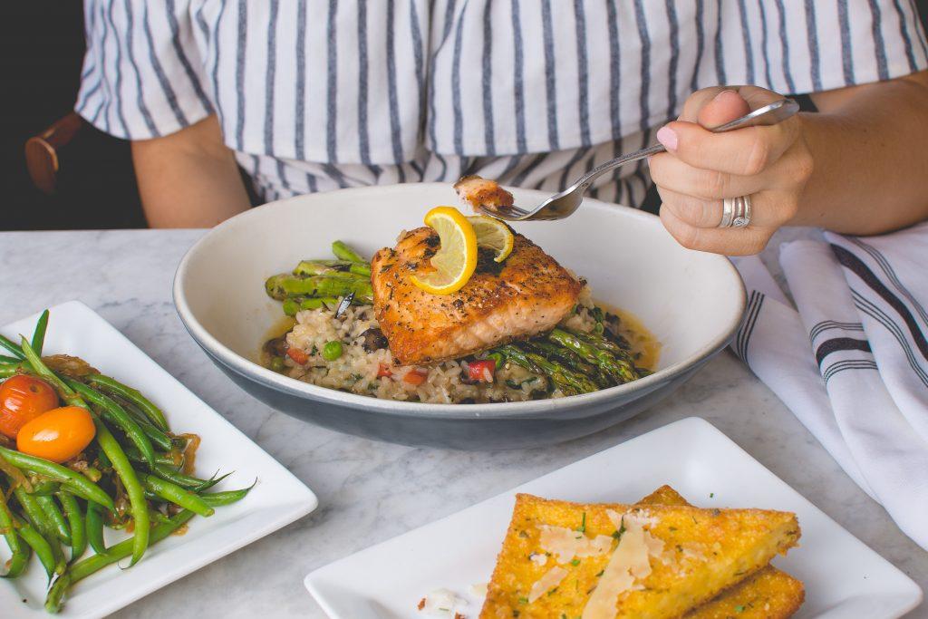 Какие продукты нужно есть на ужин, чтобы сбросить лишние килограммы