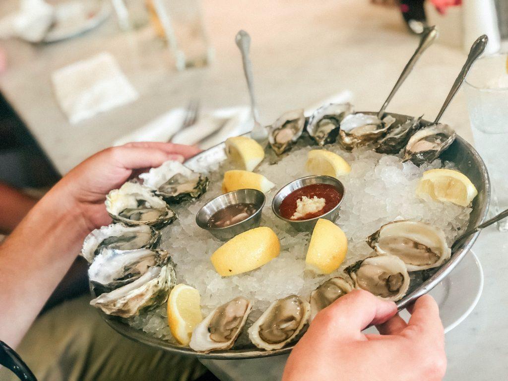 Если после поедания морепродуктов появляется данный симптом, обратитесь к врачу