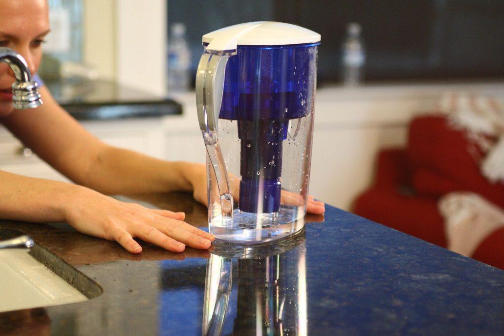 Что именно произойдёт, если вовремя не поменять фильтр воды на кран или кувшин