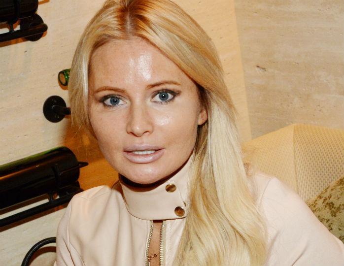 Актуальная покупка: Дана Борисова похвасталась новым стильным тренчем. ФОТО