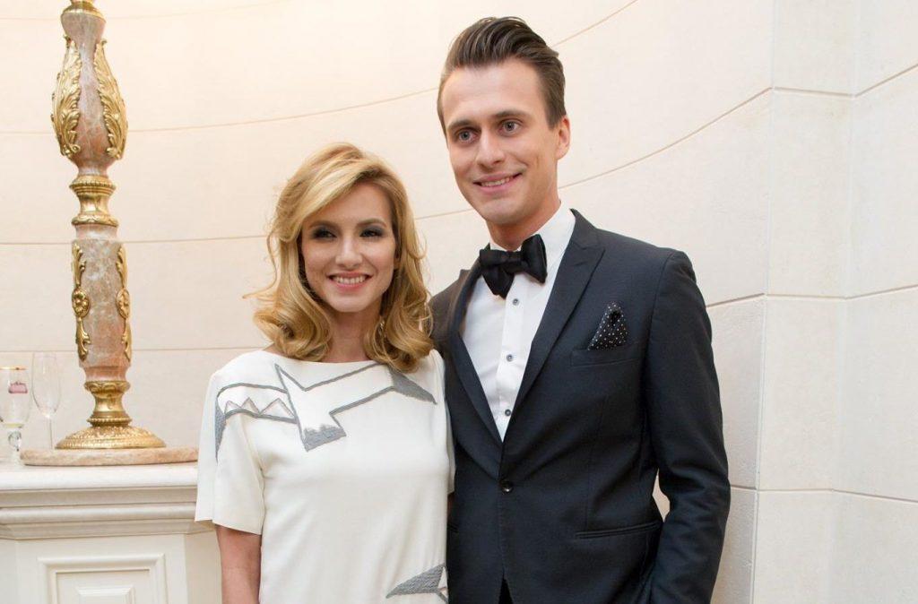 «Люблю тебя безумно»: Александр Скичко трогательно поздравил свою жену с годовщиной свадьбой