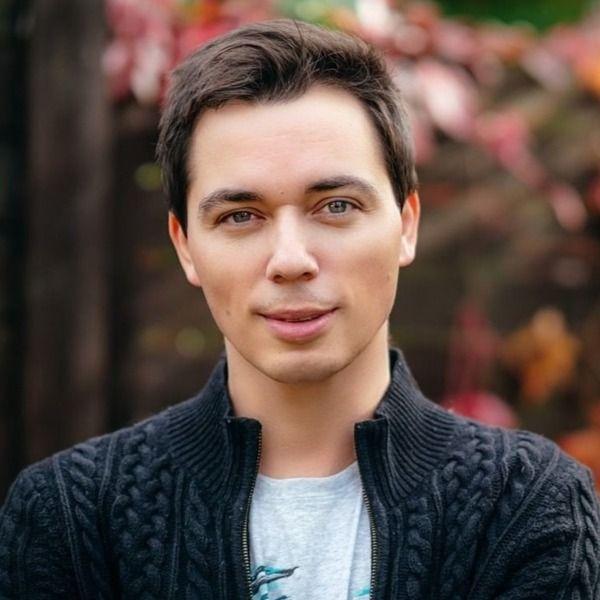 Родион Газманов заинтриговал поклонников новым снимком