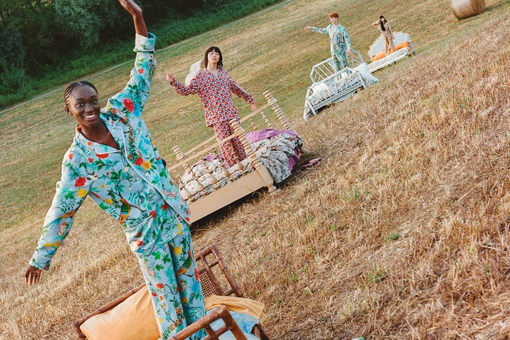 """Gucci сняли кампейн в стиле """"Алисы в стране чудес"""" и анонсировали открытие нового бутика"""