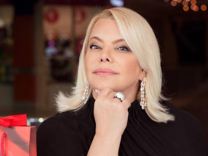 Яна Поплавская поделилась быстрым и вкусным рецептом сырного пирога