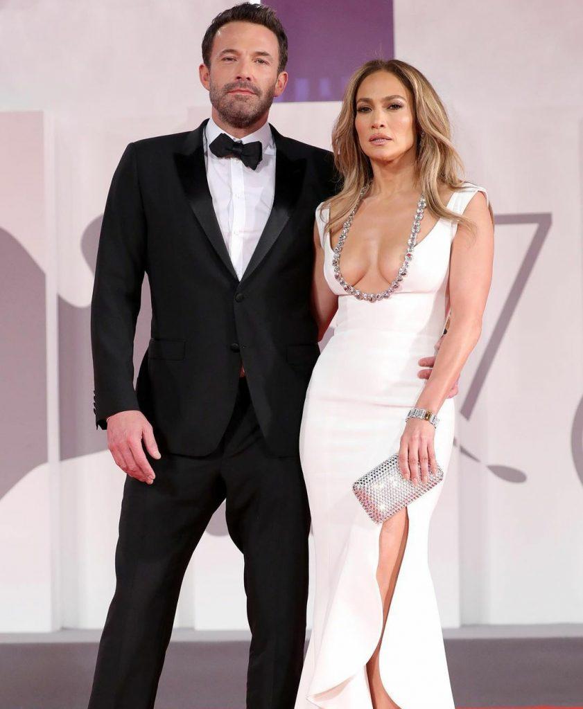 Новость, которая потрясла сеть: Дженнифер Лопес и Бен Аффлек подтвердили отношения