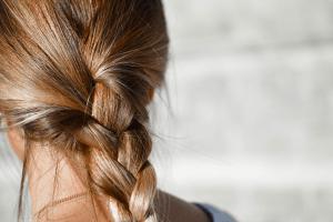 3 главных ошибки по уходу за волосами в осенне-зимний период