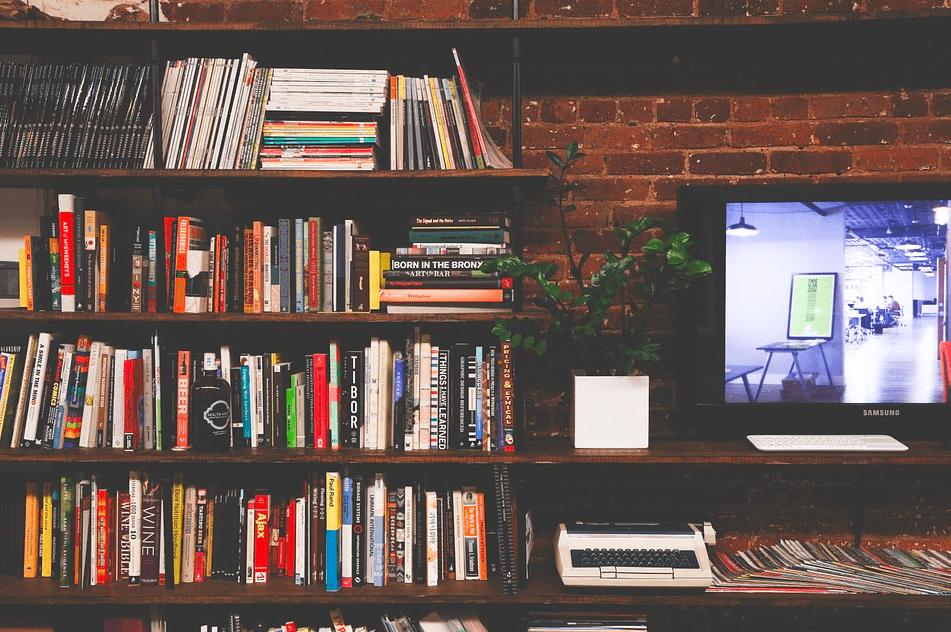 Приятное с полезным: 3 сериала, которые принесут пользу вашей карьере