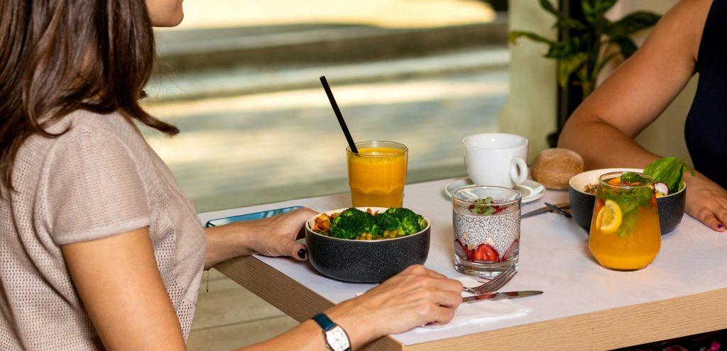 4 причины, почему вы можете набирать вес, сидя на здоровой диете