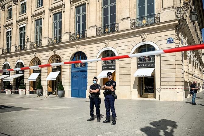 Bvlgari ограбили: злоумышленники вынесли из парижского бутика украшения на 10 миллионов евро