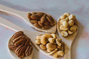 Беспокоитесь об уровне холестерине? Определённые орехи защитят ваше сердце