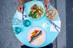 Курица или рыба: какой белок стоит есть во время диеты, чтобы сбросить вес?