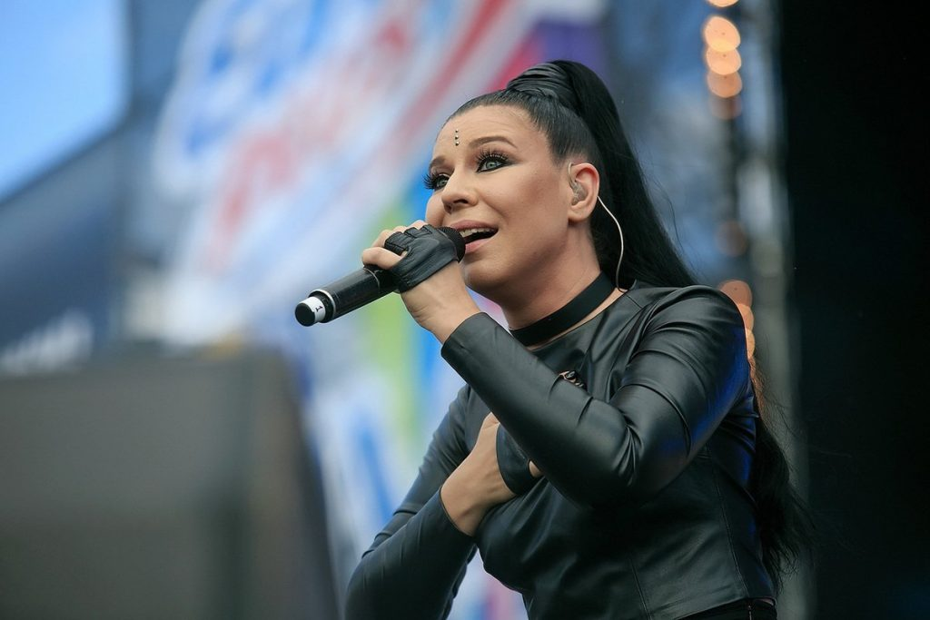 Ёлка объявила о предзаказе своего нового альбома