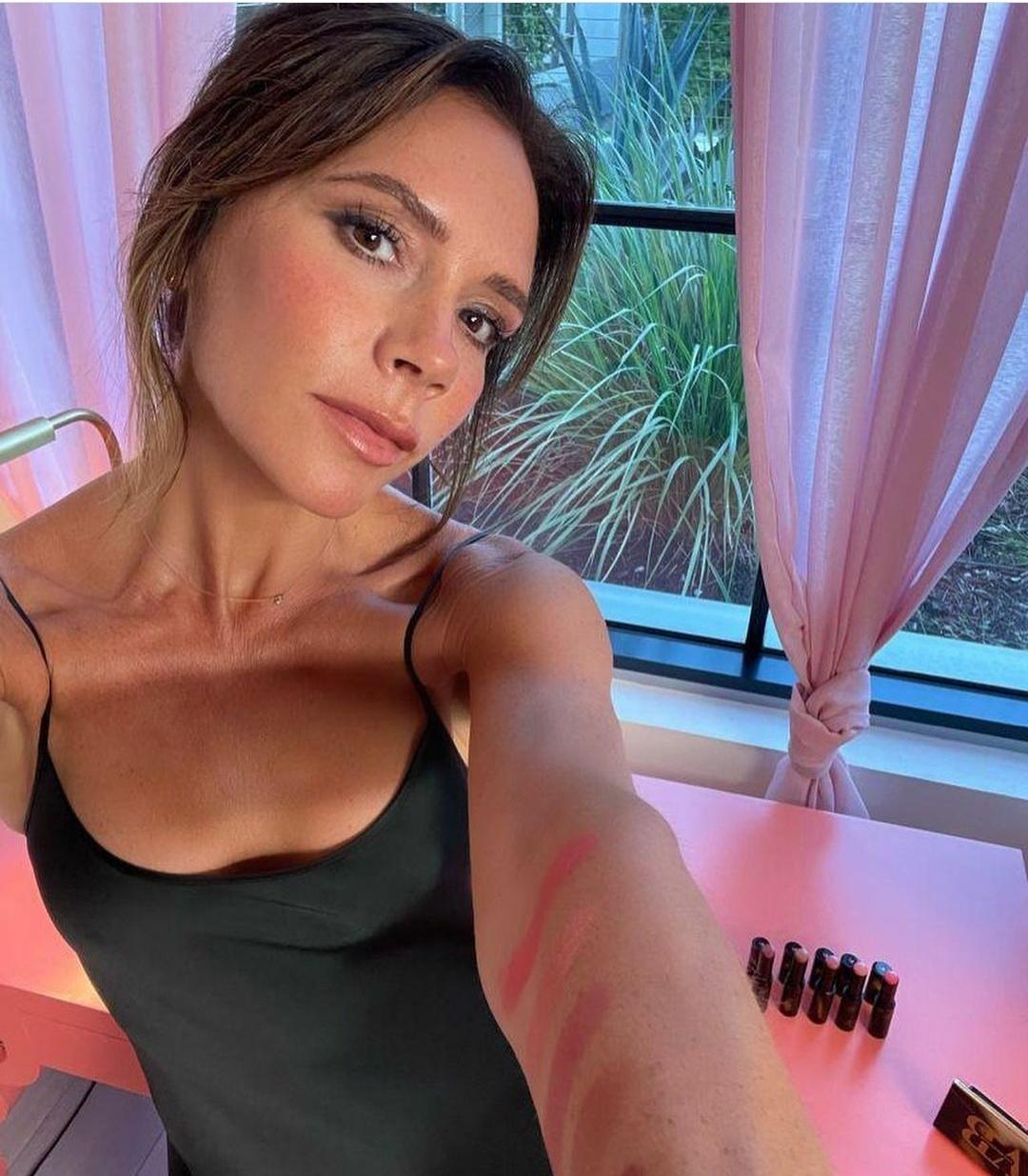 Виктория Бекхэм неприятно удивила поклонников изменением внешности
