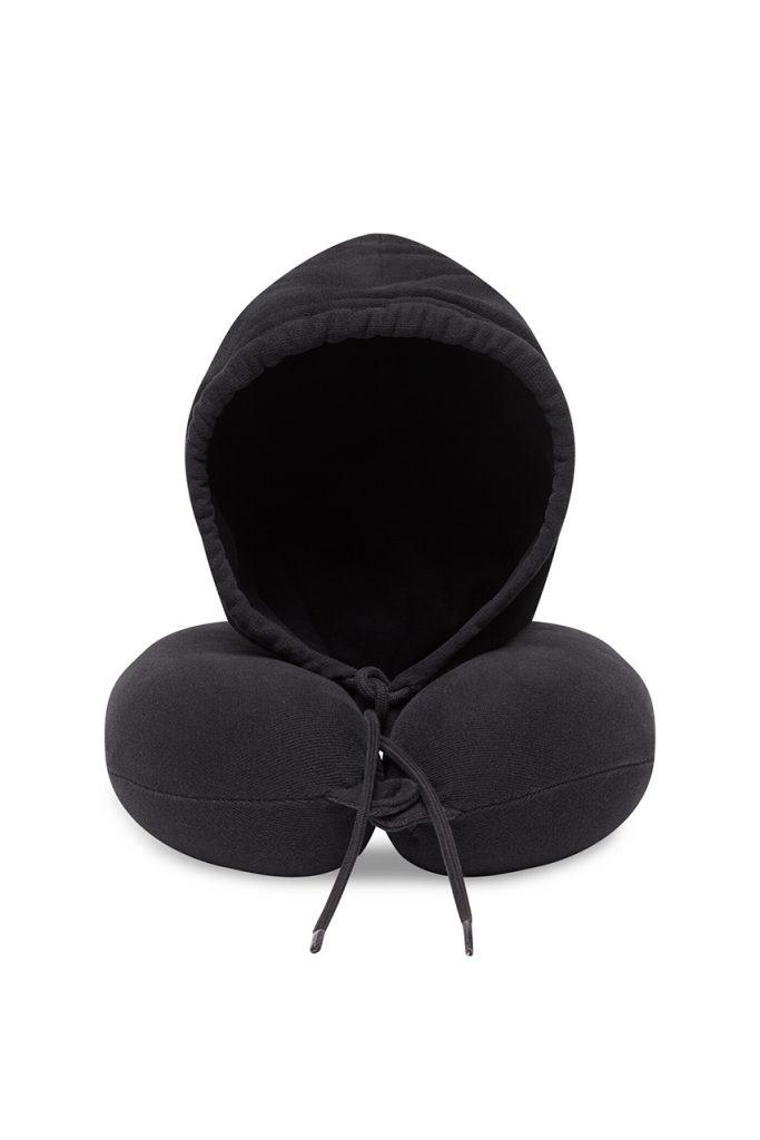 Максимум комфорта: Balenciaga выпустили худи-подушку