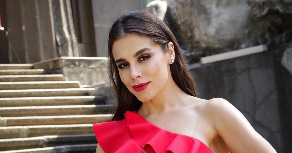 Иванна Онуфрийчук очаровала поклонников своим нежным образом на шоу «Танцы со звездами 2021»