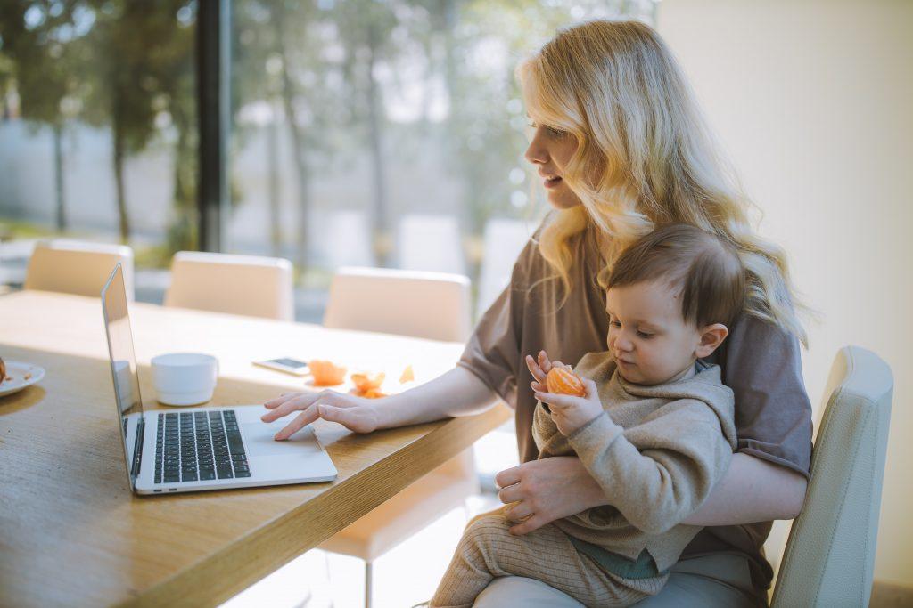 На свой страх и риск: 5 фраз, которые нельзя говорить ни одной маме-домохозяйке