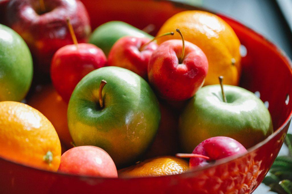 Насколько плохо есть яблоки перед сном: худший или лучший перекус?