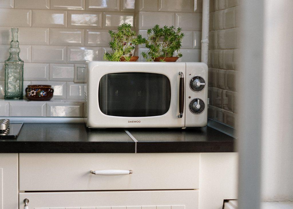 Никогда не ешьте пищу, приготовленную в микроволновке, сделав следующее