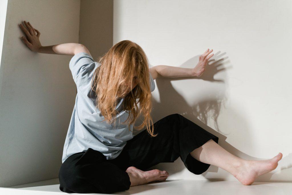 Кружится голова при вставании? На какую опасную болезнь указывает симптом