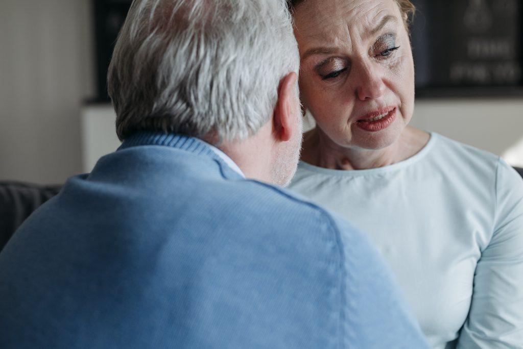 Необычные симптомы деменции, которые дают о себе знать вечером