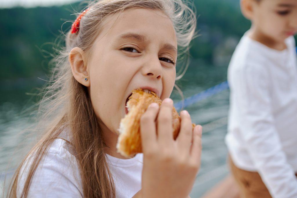 Ошибка родителей, из-за которой дети в итоге перестают есть здоровую пищу